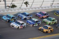 Ricky Stenhouse Jr., Roush Fenway Racing Ford, Jimmie Johnson, Hendrick Motorsports Chevrolet, Matt
