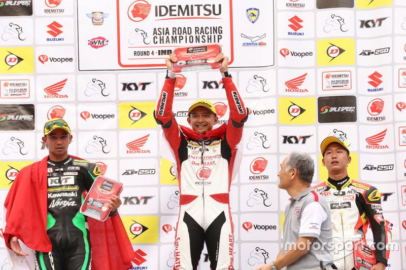 Podium Race 1 SuperSports 600cc