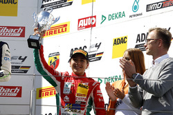 Podium: Bester Rookie Enzo Fittipaldi, Prema Powerteam