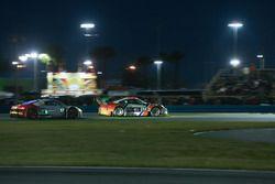 №54 CORE autosport Porsche 911 GT3R: Джон Беннет, Колин Браун, Ник Йонссон, Патрик Лонг, №57 Stevens