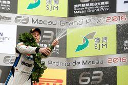 Podio GT-Cup: Fabian Plentz, Team HCB-Rutronik-Racing Audi R8 LMS