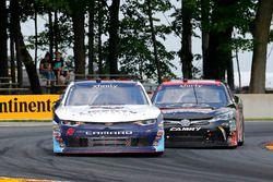 William Byron, JR Motorsports Chevrolet y Christopher Bell, Joe Gibbs Racing Toyota