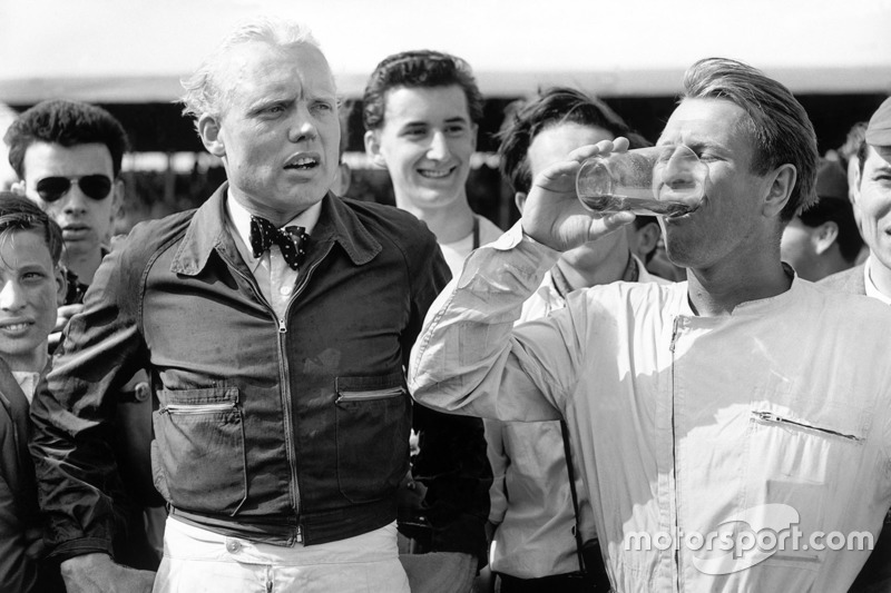 Race winner Peter Collins, Ferrari Dino 246, secon place Mike Hawthorn, Ferrari Dino 246