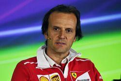 Luigi Fraboni, responsable des opérations moteur en piste Ferrari en conférence de presse