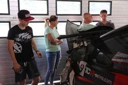 Tassi Attila és a törött Honda Civic