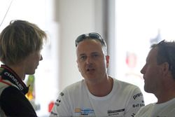 #911 Herberth Motorsport Porsche 991 GT3 R: Brendon Hartley, Daniel Allemann, Ralf Bohn