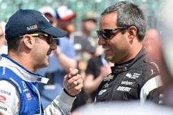 Tony Kanaan, Chip Ganassi Racing Honda, Juan Pablo Montoya, Team Penske Chevrolet