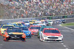 Ryan Blaney, Wood Brothers Racing Ford, Martin Truex Jr., Furniture Row Racing Toyota