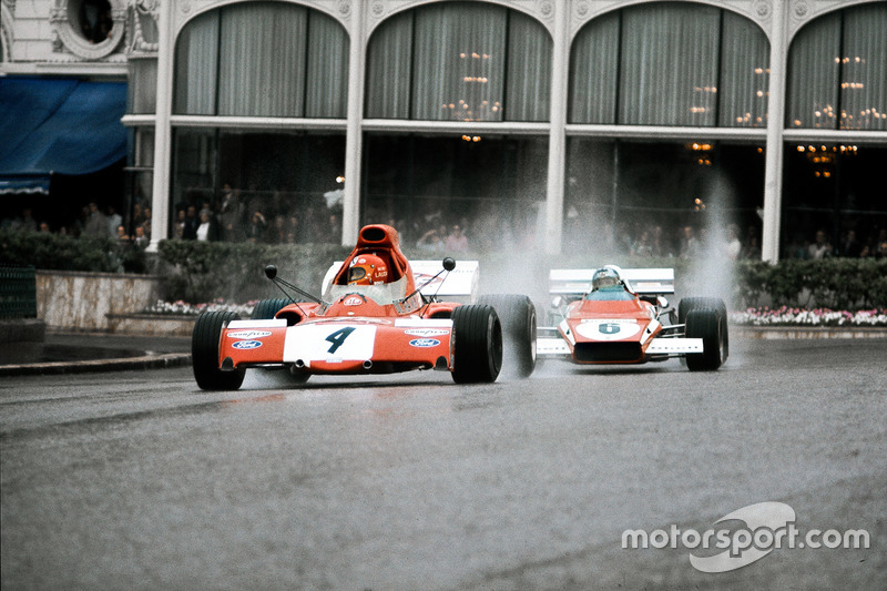 Niki Lauda, March 721X Ford, looks in his mirror to see Jacky Ickx, Ferrari 312B2, behind him
