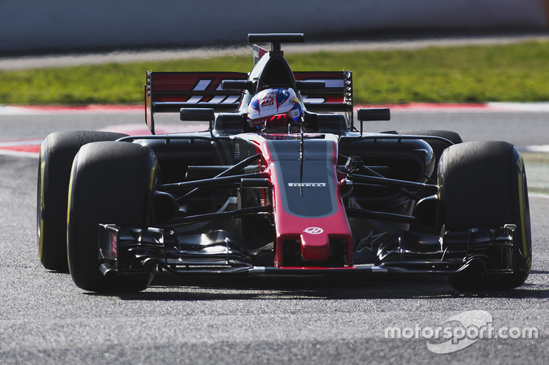 Romain Grosjean met de Haas F1 Team VF-17