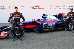 Daniil Kvyat, Scuderia Toro Rosso and Carlos Sainz Jr., Scuderia Toro Rosso pose with the Scuderia Toro Rosso STR12
