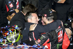 Kurt Busch, Stewart-Haas Racing Ford with Tony Stewart