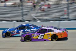 Elliott Sadler, JR Motorsports Chevrolet, Darrell Wallace Jr., Roush Fenway Racing Ford