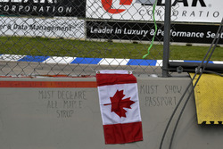Gruß an Fahrer und Fans aus Kanada