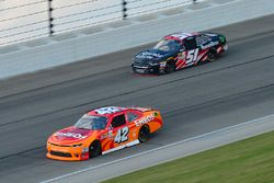 Kyle Larson, Chip Ganassi Racing Chevrolet, Jeremy Clements, Jeremy Clements Racing Chevrolet