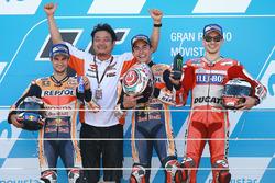 Podium: Racewinnaar Marc Marquez, Repsol Honda Team, tweede plaats Dani Pedrosa, Repsol Honda Team, derde plaats Jorge Lorenzo, Ducati Team