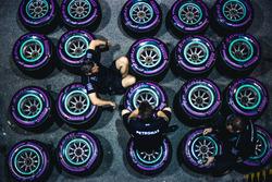 Mechanics of Merceses AMG F1 with Pirelli tyres