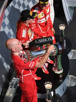 Podium: race winner Sebastian Vettel, Ferrari, second place Kimi Raikkonen, Ferrari, Jock Clear, Fer