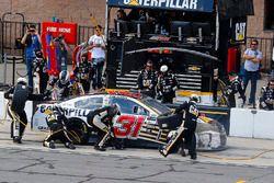 Ryan Newman, Richard Childress Racing Chevrolet pit stop