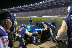 Tony Kanaan, Chip Ganassi Racing Honda makes a pit stop
