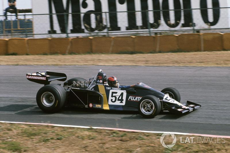 Тони Триммер, Maki F102A