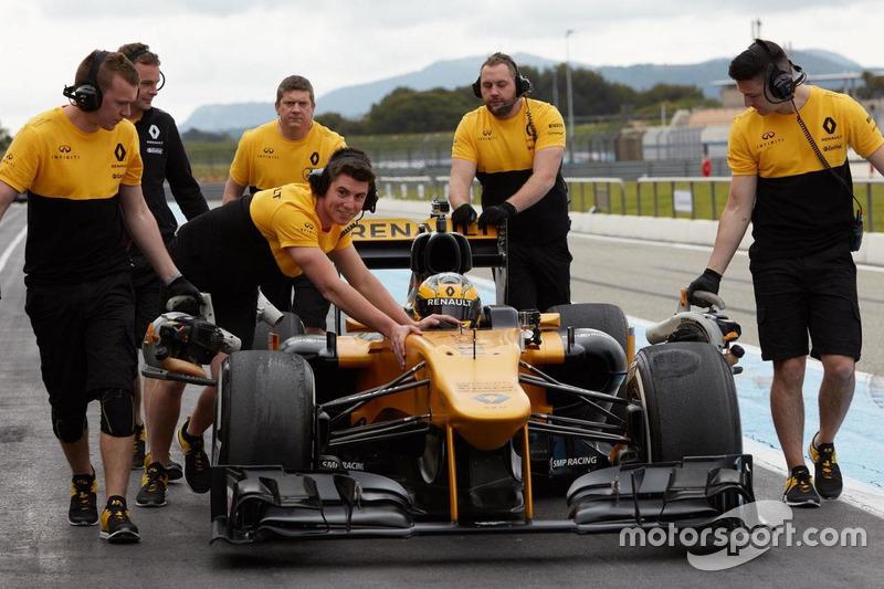 Розмари Смит за рулем Renault F1
