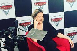 Fernanda Gentil faz o papel da jornalista Natalia Certeza, em Carros 3