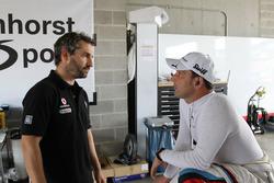 Тимо Глок, BMW Team SRM, и Йорг Мюллер, Walkenhort Motorsport