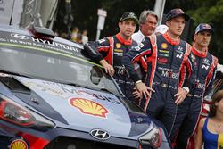 Пилоты Hyundai Motorsport Хейден Пэддон, Тьерри Невилль и Дани Сордо