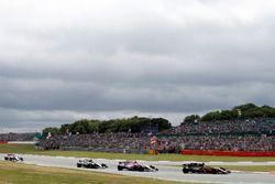 Nico Hulkenberg, Renault Sport F1 Team RS17, Esteban Ocon, Sahara Force India F1 VJM10, Valtteri Bottas, Mercedes AMG F1 W08