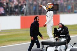 Lewis Hamilton, Mercedes AMG F1, fête sa pole