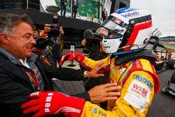 Ganador de la carrera Giuliano Alesi, Trident, Jean Alesi