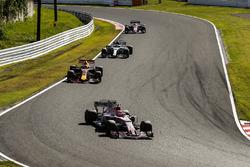 Esteban Ocon, Sahara Force India F1 VJM10, Daniel Ricciardo, Red Bull Racing RB13, Valtteri Bottas, Mercedes AMG F1 W08