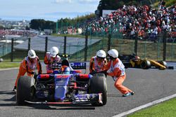 Carlos Sainz Jr., Scuderia Toro Rosso STR12 valt uit