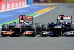 Lewis Hamilton, McLaren; Pastor Maldonado, Williams