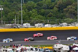 Dale Earnhardt Jr., Hendrick Motorsports, Chevrolet; Kurt Busch, Stewart-Haas Racing, Ford