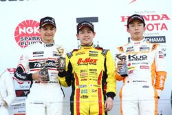 Podio de la carrera: Alex Palou, Mitsunori Takaboshi y Sho Tsuboi