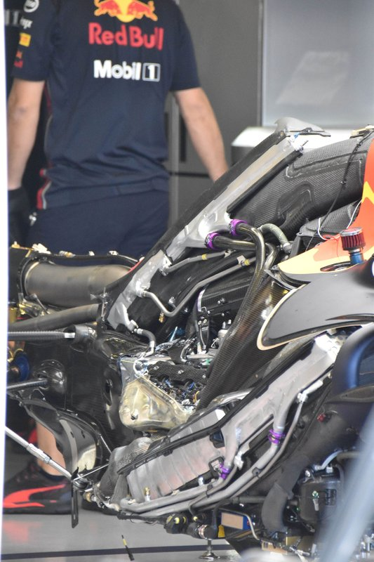 Detalle del motor del Red Bull Racing RB15