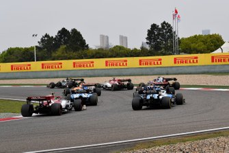George Russell, Williams Racing FW42, Robert Kubica, Williams FW42, Antonio Giovinazzi, Alfa Romeo Racing C38, startta