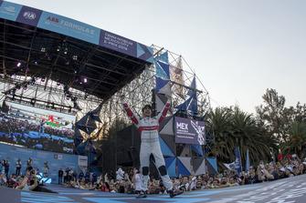 Podio: el ganador de la carrera Lucas Di Grassi, Audi Sport ABT Schaeffler