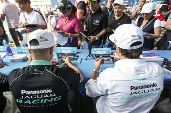 Mitch Evans, Panasonic Jaguar Racing y Nelson Piquet Jr., Panasonic Jaguar Racing