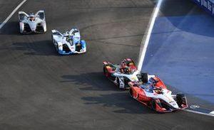 Pascal Wehrlein, Mahindra Racing, M5 Electro leadsLucas Di Grassi, Audi Sport ABT Schaeffler, Audi e-tron FE05, Antonio Felix da Costa, BMW I Andretti Motorsports, BMW iFE.18, Edoardo Mortara, Venturi Formula E, Venturi VFE05