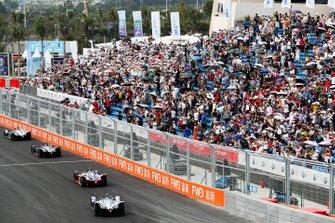 Felipe Massa, Venturi Formula E, Venturi VFE05, follows Pascal Wehrlein, Mahindra Racing, M5 Electro