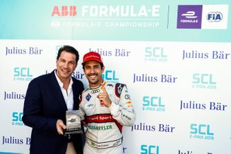 Marco Parroni, Head of Global Sponsoring, Managing Director SA Julius Baer, gives Lucas di Grassi, Audi Sport ABT Schaeffler, the pole position award