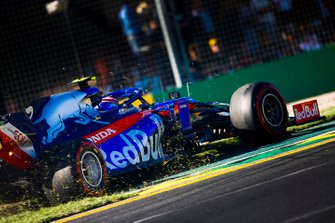 Alexander Albon, Toro Rosso STR14 sull'erba