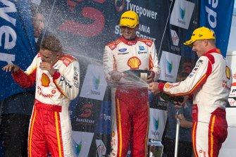 Podium: Winner Scott McLaughlin, DJR Team Penske, second place Fabian Coulthard, DJR Team Penske
