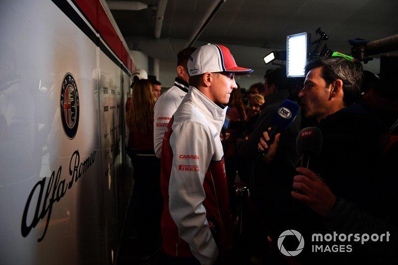 Kimi Raikkonen, Alfa Romeo Racing parla con i media