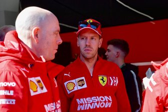Jock Clear, Ferrari Chief Engineer and Sebastian Vettel, Ferrari