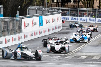 Felipe Massa, Venturi Formula E, Venturi VFE05, Edoardo Mortara, Venturi Formula E, Venturi VFE05, Maximillian Gunther, GEOX Dragon Racing, Penske EV-3, who has damaged his car