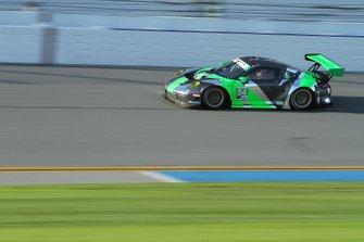 #54 Black Swan Racing Porsche 911 GT3 R: Jeroen Bleekemolen, Sven Müller, Trenton Estep